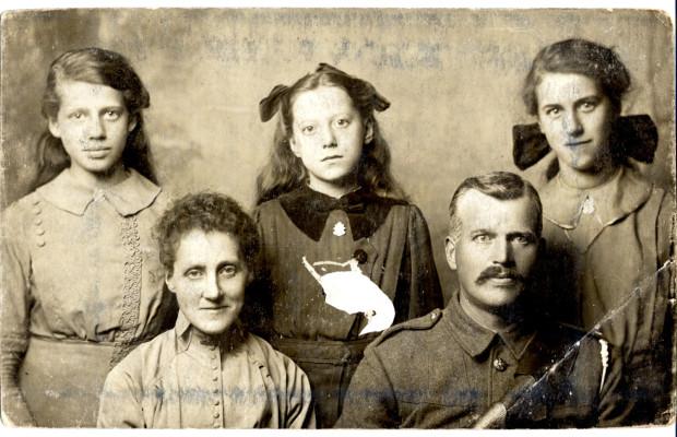 George Barnard and family c1914-15 | Audrey Jones