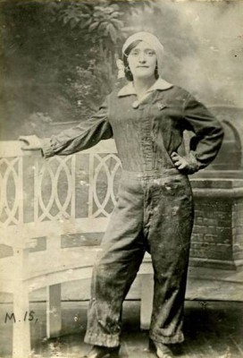 Lottie Meade - Munitions Worker | Imperial War Museum